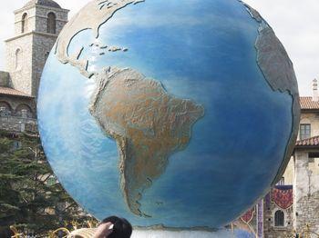 ディズニーシー地球.jpg